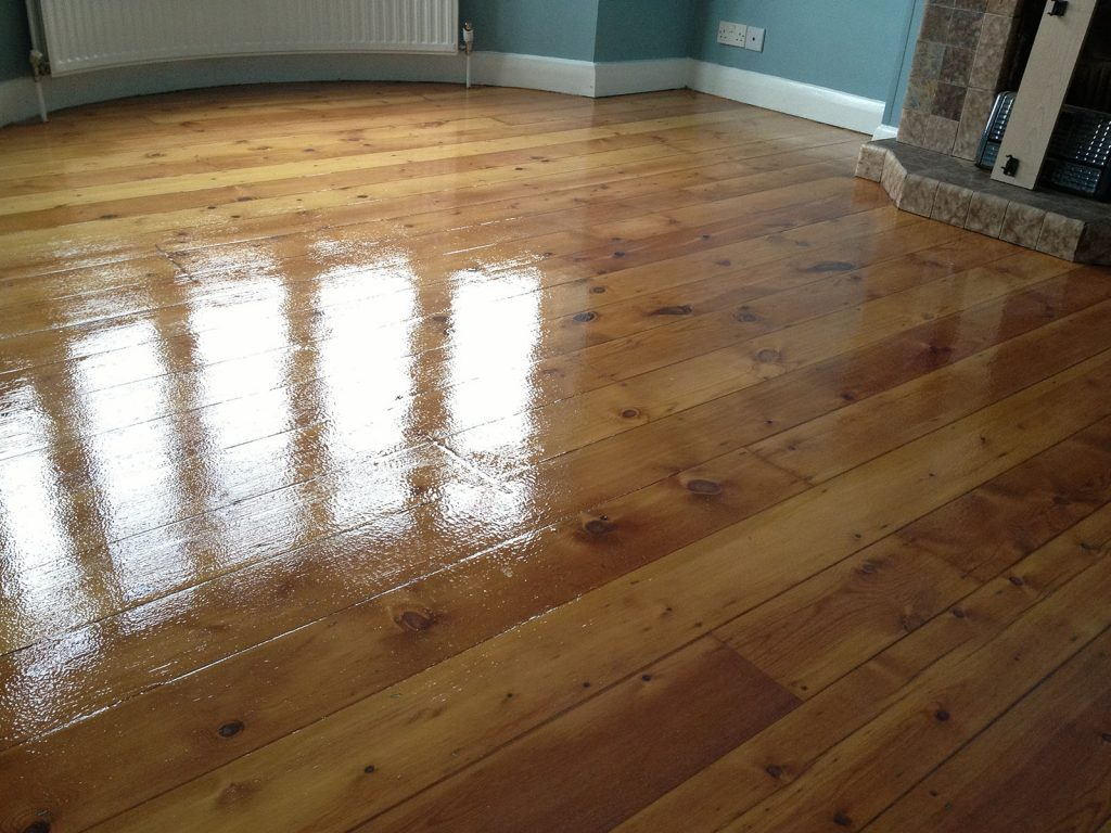 Sanding Floor boards